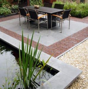 Deze tuin is aangelegd door Visio Vireo Tuinen uit Steenbergen
